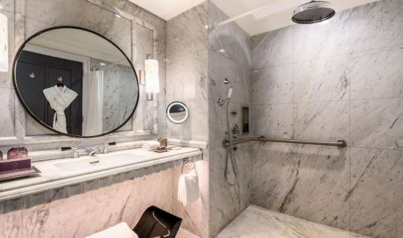 The Ritz - Carlton (Doha)