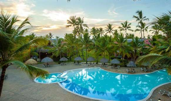 Tropical Princess Beach Resort - basen