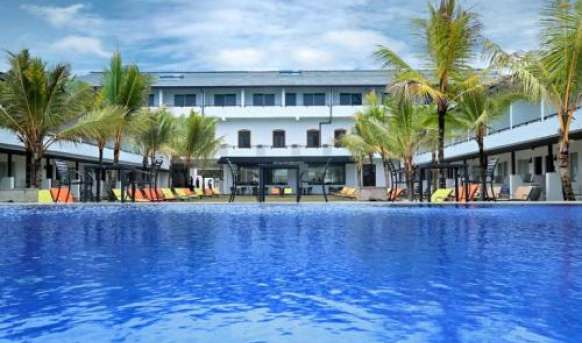 Coco Royal Beach Resort - basen