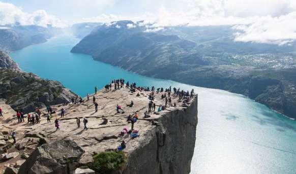 Rejs po norweskich fiordach - W majestatycznych górach