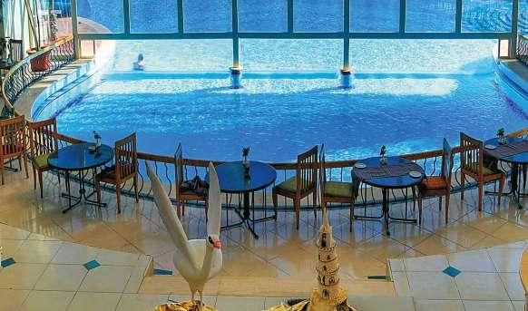 Aurora Oriental Resort - basen