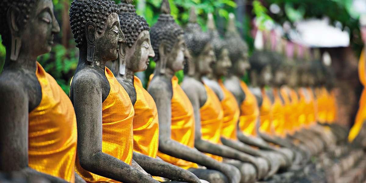 Bambusowe Łodzie Złotego Buddy