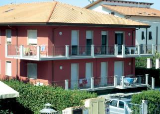 Marina di Massa Włochy, Toskania, Marina di Massa