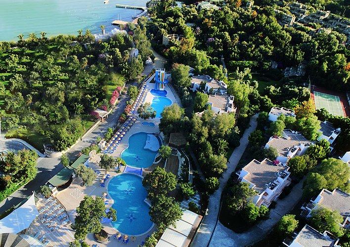 Cande Onura Holiday Village